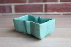 Ungemach Pottery (Ohio, USA) Robin's Egg Blue Ceramic Bowtie Planter