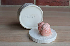 Fitz & Floyd (New Jersey, USA) Coquille Peach Seashell Round Box with Lid
