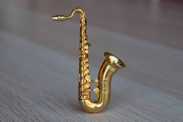Gold Tone Saxophone Brooch