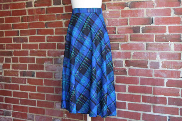 Sag Harbor Blue, Green, and Red Plaid Wool Blend Round Swingy Skirt