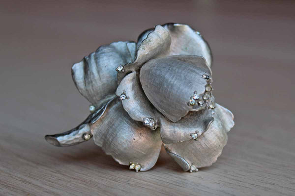 Janus Jewelry Silver Aluminum Flower Necklace/Brooch with Little Silver Rhinestones