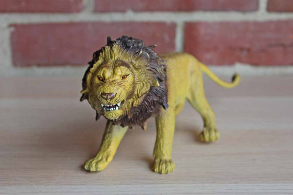 AAA Solid Cast Resin Snarling Lion Figurine