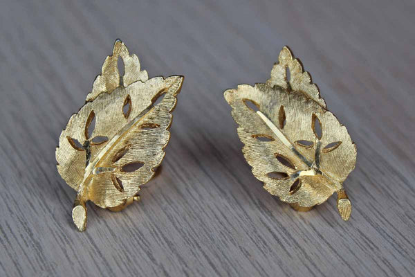 B.S.K. Jewelry (New York, USA) Gold Tone Leaf-Shaped Non-Pierced Earrings