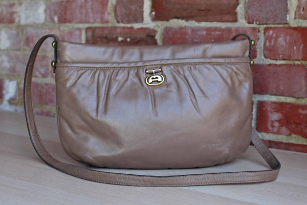 Etienne Aigner (New York, USA) Taupe Brown Leather Shoulder Bag