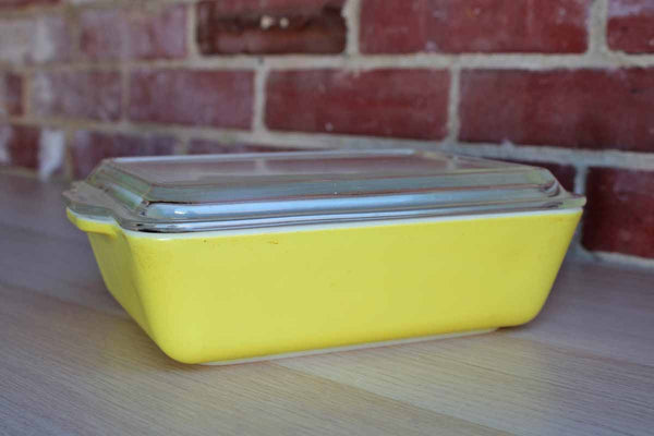 Corning Inc. (New York, USA) Yellow Baking or Refrigerator Dish with Clear Glass Lid