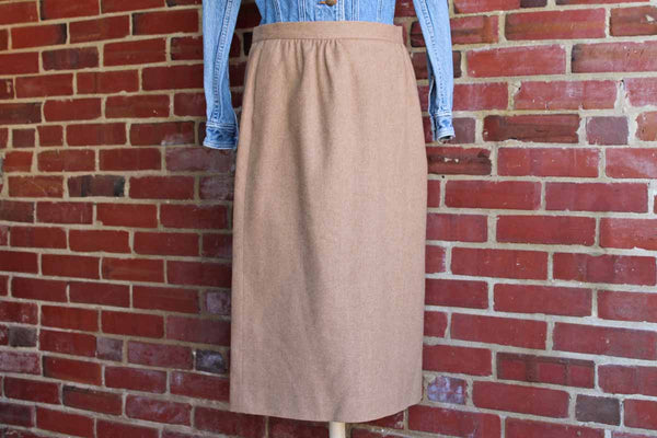 Pendleton Woolen Mills (Oregon, USA) 100% Virgin Wool Lined Tan Pencil Skirt, Size 12