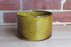 Ungemach Pottery Co. (Ohio, USA) Round Planter with Dark Shades of Olive Green