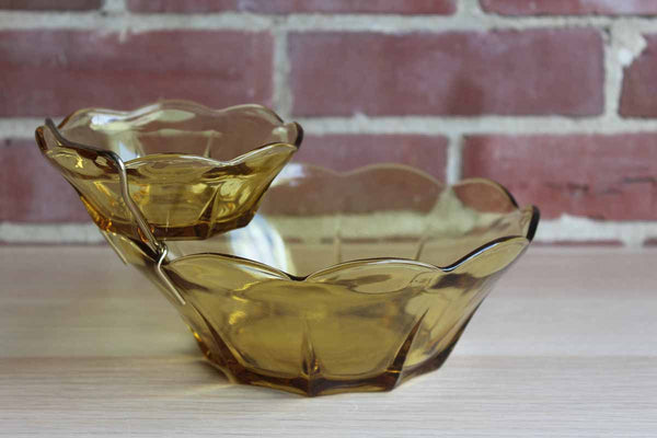 Anchor Hocking (Ohio, USA) Swedish Modern Honey Gold Chip & Dip Set