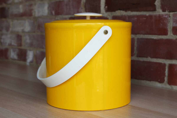 Georges Briard (USA) Yellow Vinyl Ice Bucket with Yellow Plastic Handle, Knob, and Interior