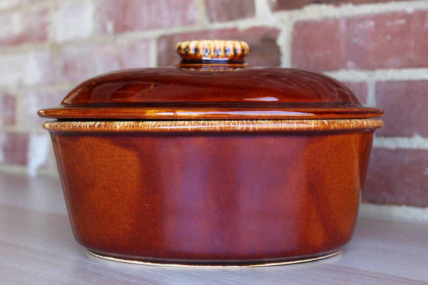 Hull Art Pottery (Ohio, USA) House 'N Garden Mirror Brown Lidded Casserole