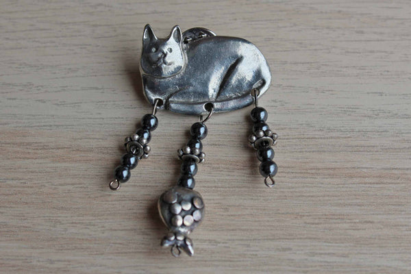 Barker (USA) 1996 Pewter Cat Brooch with Dangling Beads and Pewter Fish