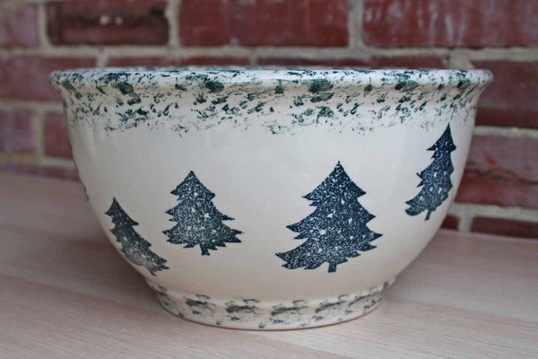 Tienshan (Connecticut, USA) Folk Craft Bowl with Green Spongeware Trees