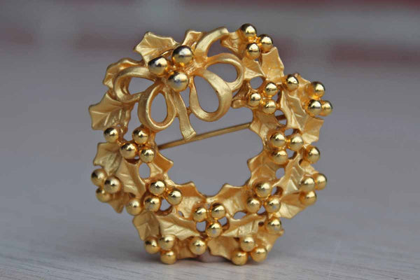Gold Tone Metal Berries and Leaves Wreath Brooch