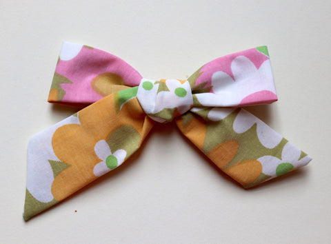 Maisie Loves Nory Retro Floral Bow - Oversized