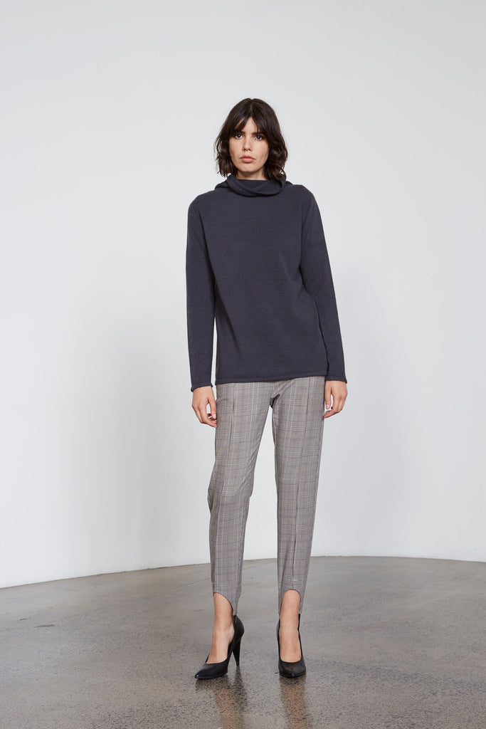 Continuous  line polo Neck