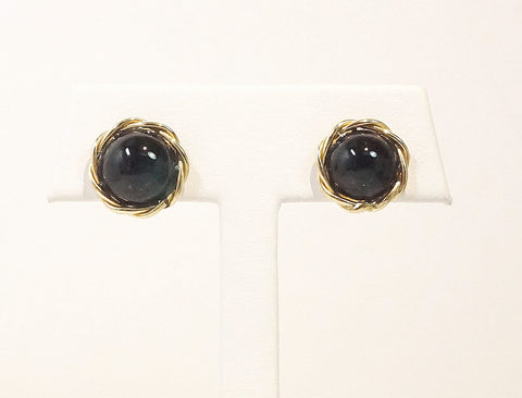 Onyx buttons in twist frame