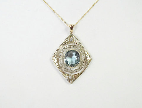 Vintage filigree necklace with aquamarine