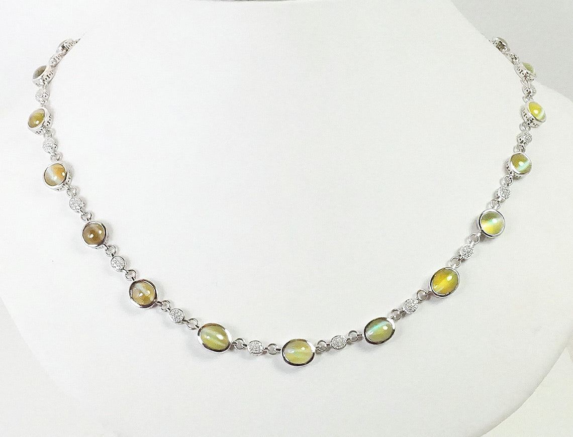 Chrysoberyl cat's eye necklace in platinum