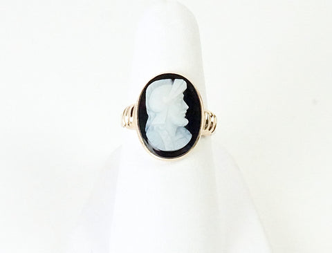 Hand-carved agate cameo ring