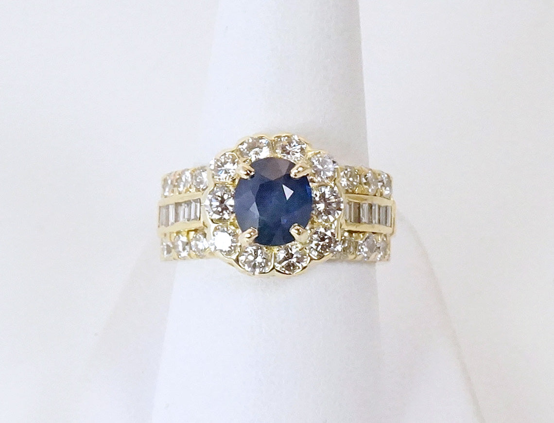 Sapphire and diamonds in gold