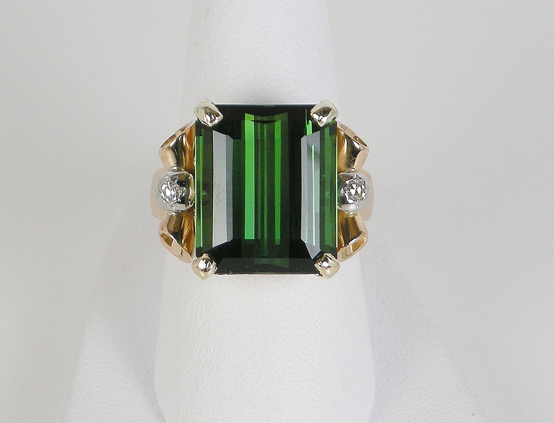 Exquisite green tourmaline retro ring