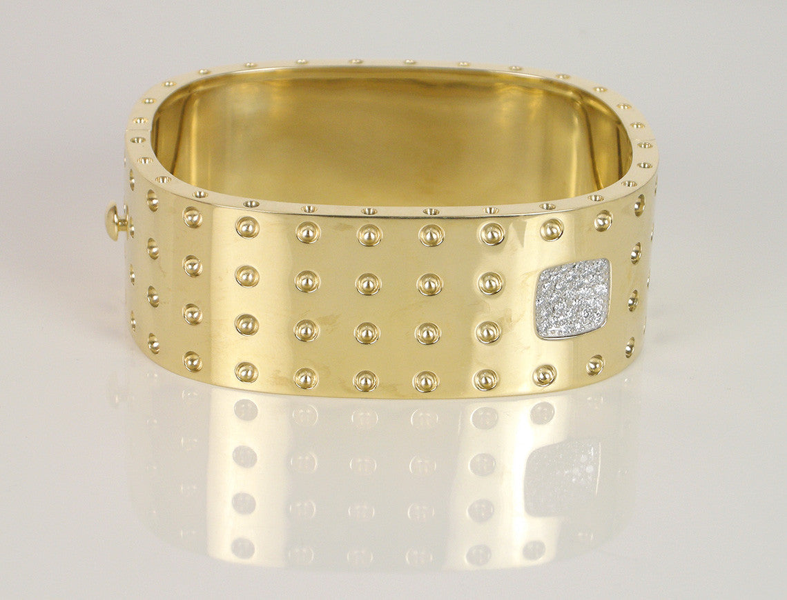 """Pois moi"" bangle by Roberto Coin"