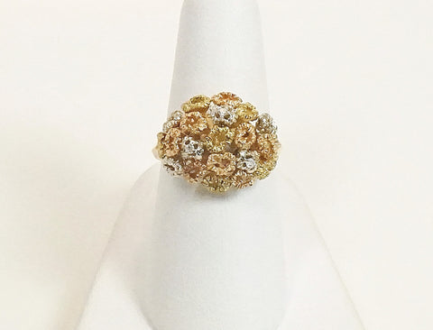 Tri-color floral ring