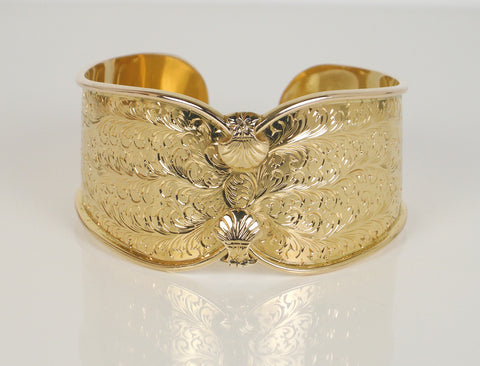 Exquisite hand-engraved cuff bracelet