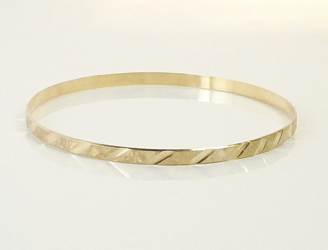 Stackable slip-on bangle