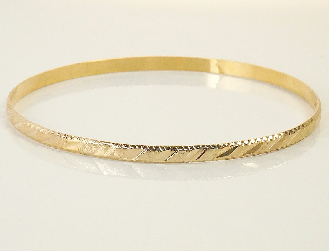 Slipover bangle