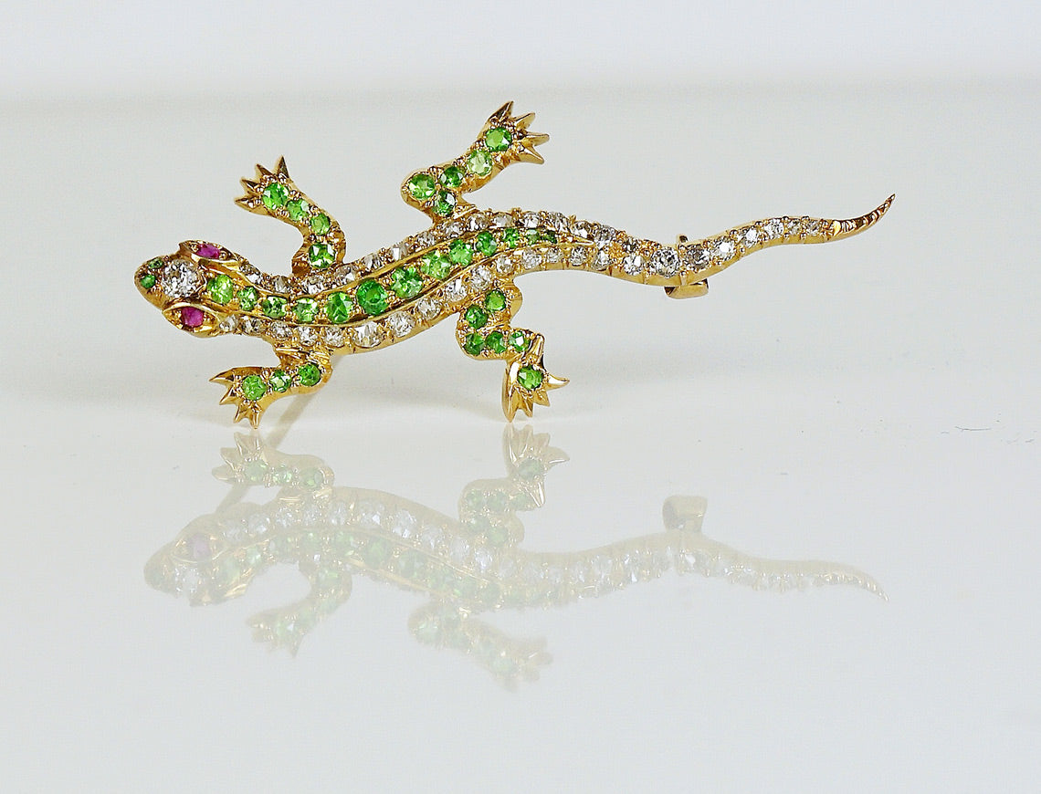 Lizard brooch with demantoid garnets