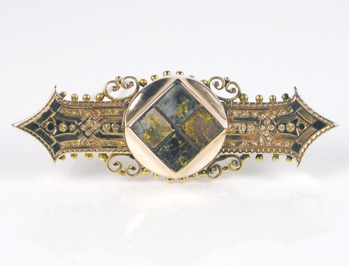 19th Century gold-in-quartz brooch