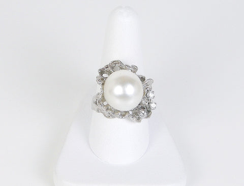 Vintage white gold and pearl ring
