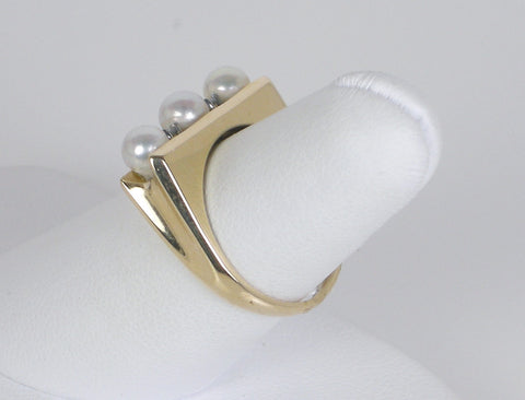 Tailored pearl band