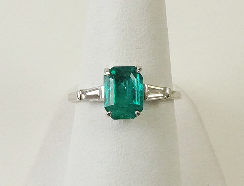 Brilliant green emerald ring