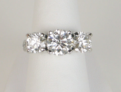 Dramatic three-stone ring
