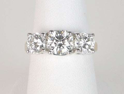 Classic 3-stone ring