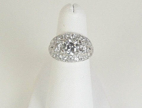 1.10 carat round brilliant in fancy setting