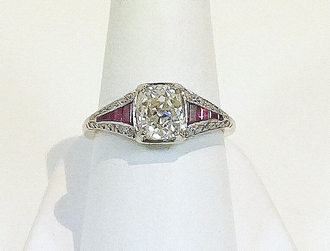 Edwardian ring with 1.51 carat Old Mine Cut