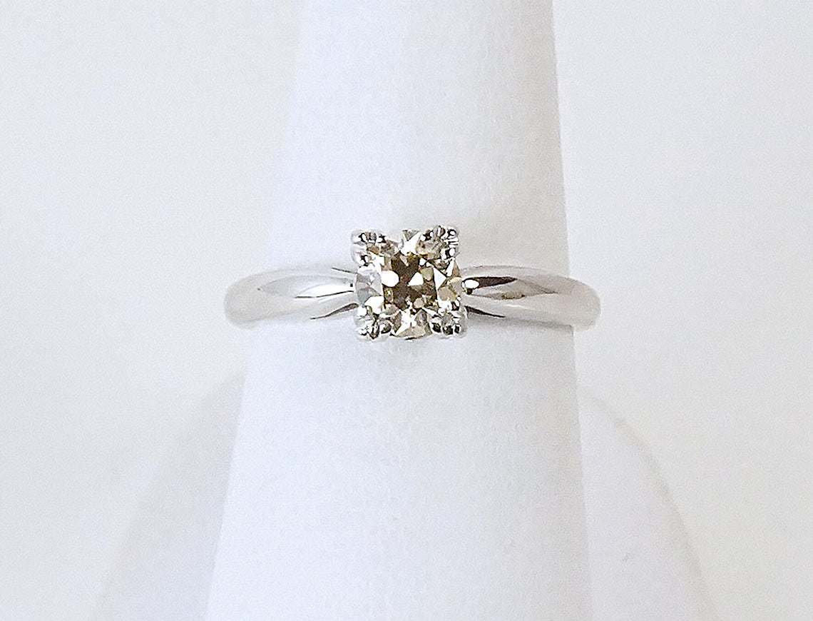 Vintage engagement ring with champagne diamond