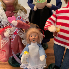 byers-choice-dolls-with-cookies