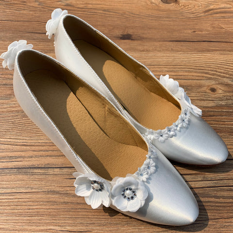 White Satin Flower Women Rhinestone Dance Shoes W026