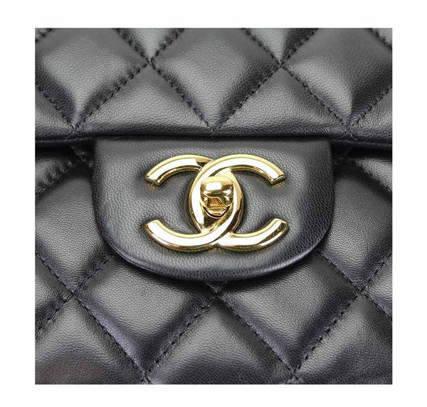 chanel maxi double flap shoulder bag black used detail