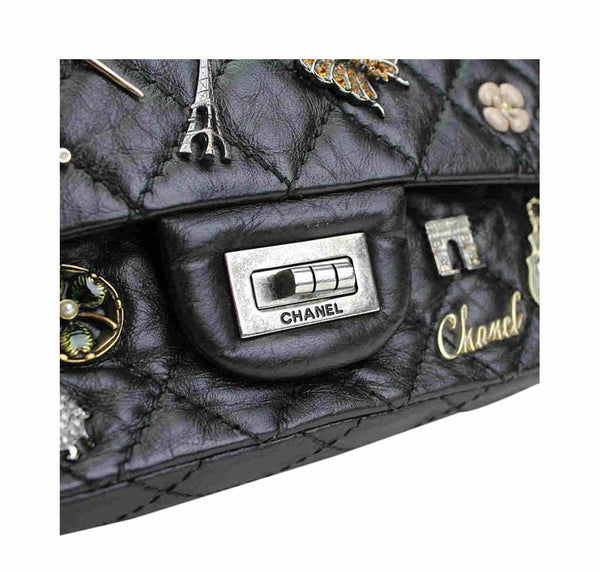 chanel lucky charm reissue 2.55 black used detail