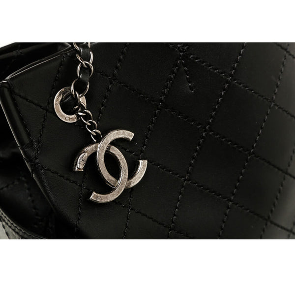 Chanel Small Shopping Tote 15S Black Used Detail