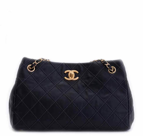 12cc70a1dff3 Chanel Sac Accordion Bag Black - Lambskin Leather | Baghunter