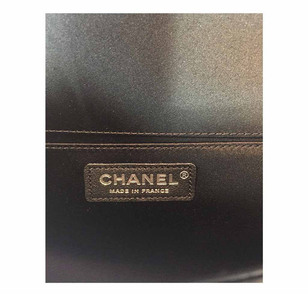 Chanel pearl boy bag limited edition new stamp