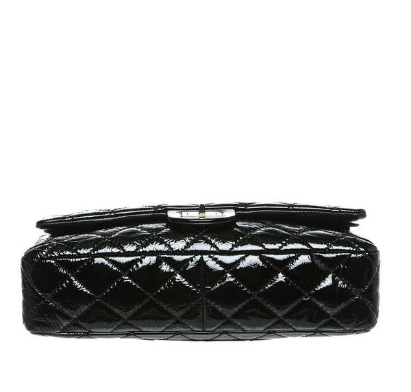 chanel jumbo flap 2.55 reissue bag black used bottom