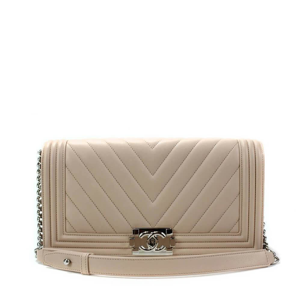 f0f5c10cee06 Chanel Boy Flap Bag Light Beige - Lambskin Leather | Baghunter