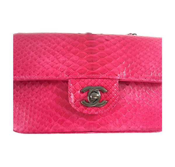 Chanel Classic Flap Python Red New detail
